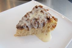 Gluten Free Cinnamon Coffee Cake - deff doing this for my mommy Cookies Gluten Free, Gluten Free Deserts, Gluten Free Sweets, Gluten Free Breakfasts, Gluten Free Cakes, Foods With Gluten, Gluten Free Cooking, Dairy Free Recipes, Vegan Gluten Free