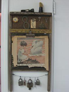 Vintage Washboard Altered With Vintage Locks, Keys, Ruler, Book Page, Metal… Vintage Crafts, Vintage Decor, Rustic Decor, Antique Decor, Washboard Decor, Old Washboards, Trash To Treasure, Assemblage Art, Altered Art