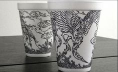 Inspire yourself with this collection of creative coffee cup illustrations that are drawn onto simple Styrofoam cups with simple sharpie pens. You won't believe your eyes at the amazing work you can create with a marker and a white surface. Coffee Cup Drawing, Coffee Cup Art, Illustration Pen And Ink, Creative Illustration, Creative Coffee, Sharpie Art, Sharpies, Vintage Cups, Fun Cup