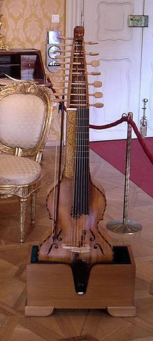 This little instrument looks like fun, I kind of want to learn it now!