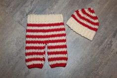 Christmas Crochet Newborn Baby Pants/ Paties & Beanie Hat set, red, cream Photo Photography Prop, Baby Girl or Boy, Santa, Xmas gift by FairytalePhotoProp on Etsy