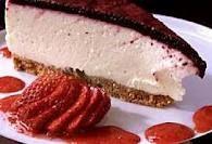 Ostekake - to stykker fra Ida med rød ost og sjokoladebunn