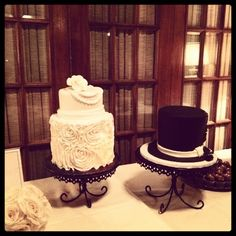 Cute Idea For His And Her Wedding Cake CAKE DECORATING - His And Hers Wedding Cake
