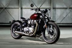 """We're just adding anew entryto our '2016's most obvious facts' list.Right below the lines that say """"American elections go for too long,""""and """"David Bowie was pretty good,"""" we've just added a freshentry. It reads """"Triumph Motorcycles is having an amazing year."""" Even if we disregard their triple cylinder and off-road offerings and just focus on theirBonnevilles, barely a month seems to go by without us receiving an invite for another big launch. The Street Twin. The T120. And now, little…"""