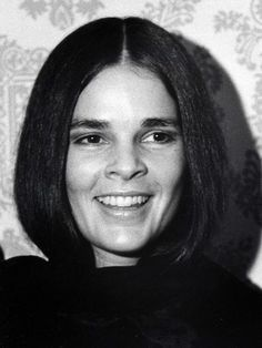The Style Evolution of Ali MacGraw Family Photo Outfits, Family Photos, Love Story Movie, Ali Macgraw, Iconic Movies, Clint Eastwood, Cara Delevingne, Movie Stars, Style Icons