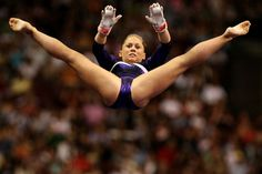 Shawn Johnson Photos - Shawn Johnson competes on the uneven bars during day four of the 2008 U. Olympic Team Trials for gymnastics at the Wachovia Center on June 2008 in Philadelphia, Pennsylvania. Gymnastics World, Gymnastics Photography, Gymnastics Pictures, Sport Gymnastics, Artistic Gymnastics, Olympic Gymnastics, Olympic Team, Olympic Games, Shawn Johnson Gymnast
