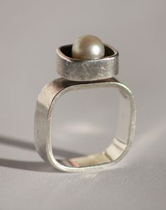 Vintage jewelry | Adorn London