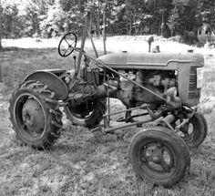 In Massey Ferguson Tractor #1 Exquisite Rare Pin Badge Workmanship