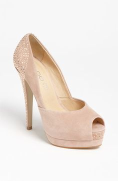 Aldo Eilers Pump @ Nordstrom       Normally I'm not a fan of too tall platforms but I do like this one, in all the available colors!
