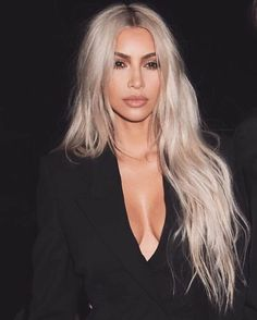 "Kim Kardashian breaks silence on Kylie Jenner pregnancy rumors, denies she ""didn't respond well"" report Kourtney Kardashian, Kardashian Style, Kardashian Jenner, Kylie Jenner, New Hair, Your Hair, Hair Colorful, Pretty Hurts, Platinum Blonde"