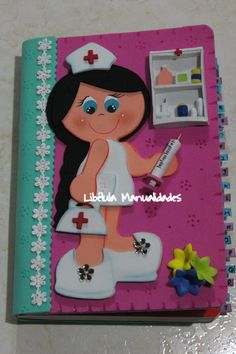 CUADERNO DECORADO Foam Crafts, Preschool Crafts, Diy And Crafts, Paper Crafts, Folder Decorado, Five Little Monkeys, How To Make Scrapbook, Decorate Notebook, Notebook Covers
