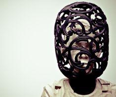 Gehard Demetz - Contemporary Artist - Wood Sculpture - 2008 - A soft distorsion.