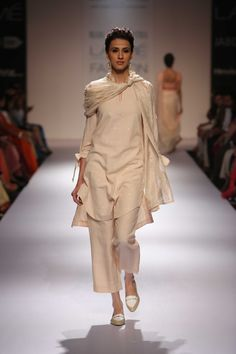 Lakmé Fashion Week – Soumitra Mondal at LFW WF 2014