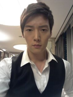 Choi jin-hyuk with no makeup looks much better Actors Male, Korean Actors, Asian Actors, Korean Face, Korean Men, Jang Nara, Emergency Couple, Sexy Asian Men, Choi Jin Hyuk