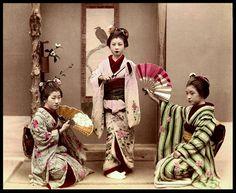 THREE GEISHA by Okinawa Soba, via Flickr