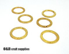 Round 24k gold plated connectors 21mm   4 pieces by OandN on Etsy, $2.00  #jewelrysupplies #goldplated