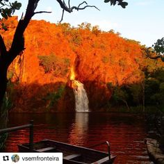 """Use #letsflyawaybr e apareça no nosso feed! Obrigada  @vsemfronteira por compartilhar essa imagem! Com a palavra @vsemfronteira: """"Uma das cachoeiras mais bonitas que já conheci. Fica no parque nacional de Litchfield próximo a Darwin na Austrália.  Infeliz"""