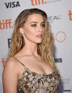 haven't you heard about Amber Heard? — Amber Heard attends 'The Danish Girl' premiere. Amber Heard Age, Amber Heard Style, Amber Heard Photos, Beautiful Celebrities, Beautiful Actresses, Glamour, Amber Head, Beauté Blonde, Hair And Beauty