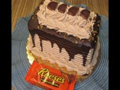 Woodland Bakery Reese's Peanut Butter Cup Cake