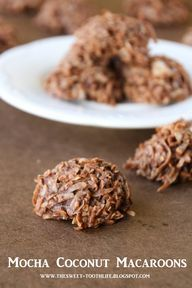 Mocha coconut macaroons recipe. Perfect for parties!