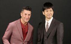 「ジョルジオ・アルマーニ」広告ビジュアル発表会に登場した西島秀俊さん(右)とパンツェッタ・ジローラモさん