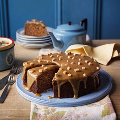 cake This soft and moreish Sticky toffee cake is sure to become a firm tea-time favourite.This soft and moreish Sticky toffee cake is sure to become a firm tea-time favourite. Toffee Cake Recipe, Sticky Toffee Cake, Jamie Oliver, Baking Recipes, Dessert Recipes, Tea Recipes, Baking Ideas, Dessert Ideas, Delicious Desserts