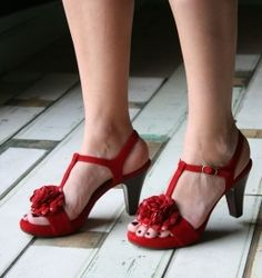 Online Store Chie Mihara sandals.