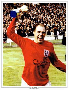 England defender Ray Wilson with the World Cup in World Winner, World Cup Winners, 1966 World Cup Final, England International, England Football, My Hero, How To Memorize Things, The Past, Football Team