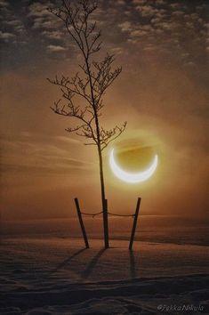Eclipse of the SunTampere  photo by Pekka Nikula flickr