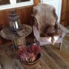 Endelig er kabeltrommelbordet på plass, pussing gjenstår ❄️#kabeltrommelbord #uteplass #hytteliv #hytte