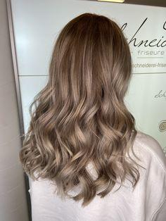 Silver blond hair color Blonde Hair, Hair Color, Trends, Long Hair Styles, Beauty, Silver, Shaving Machine, Barber Salon, Hair Stylists