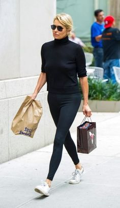 Casual Work Outfit Summer, Casual Outfits For Moms, Casual Summer Outfits For Women, Classy Work Outfits, Fall Outfits For Work, Professional Outfits, Work Casual, Black Joggers Outfit, Black Pants