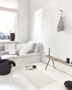 n i k k i e. ▪ @nikkiedendekker Monochrome Interior, Black And White Interior, Scandinavian Interior Design, Modern Interior Design, Interior Architecture, Home And Living, Living Room, Modern Bedroom Decor, Stylish Home Decor