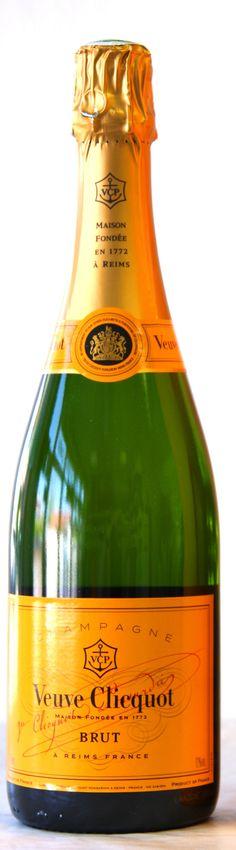 Champagne Veuve Clicquot www.vinopredaj.sk  #champagne #sampanske #sekt #bublinky #vino #wine #wein