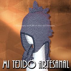 """GORRO MODELO """"DRAGÓN"""".Infinidad de creaciones tejidas al crochet, para damas, bebés, niños, adolescentes y hombres. Realizo diseños personalizados por encargo."""