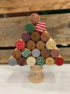 Cork crafts are my favorite for this time of year!Cork crafts are my favorite for this time of year! Have you made anything with your saved wine corks? Cork Christmas Trees, Christmas Crafts For Kids, Fall Crafts, Christmas Tree Decorations, Holiday Crafts, Wine Cork Art, Wine Cork Crafts, Wine Bottle Crafts, Wine Corks