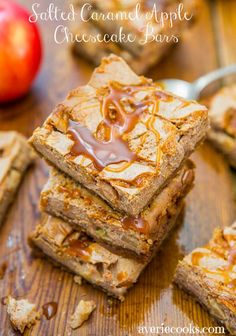 Salted Caramel Apple Cheesecake Bars - Easy one-bowl cheesecake on top of a brown sugar-graham cracker crust & dripping with caramel Caramel Apple Cheesecake Bars, Caramel Apple Bars, Caramel Apples, Cheesecake Recipes, Cheesecake Squares, Cheesecake Cake, Köstliche Desserts, Delicious Desserts, Dessert Recipes