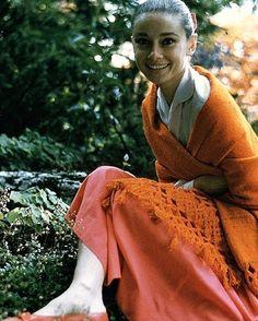 Best Ways To Style Your Outfits - Fashion Trends Audrey Hepburn, Marlene Dietrich, Brigitte Bardot, Fashion Models, Fashion Outfits, Fashion Trends, Greta, Ageless Beauty, Classy Women