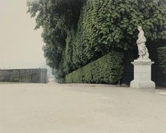 makes this Versailles Garden look even more beautiful. Luigi Ghirri, 🌳 via Luigi, Ikebana, Color Photography, Street Photography, Polaroid, Versailles Garden, Garden Park, Italian Artist, Contemporary Photography