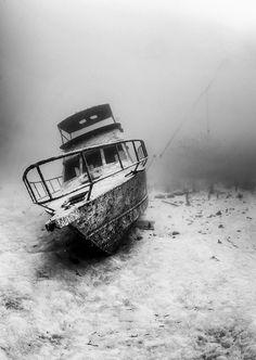bohol boat wreck face-on
