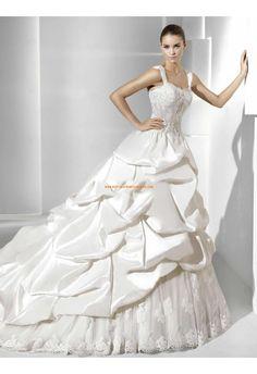 Belle robe de mariée avec longue traine taffetas dentelle bretelles