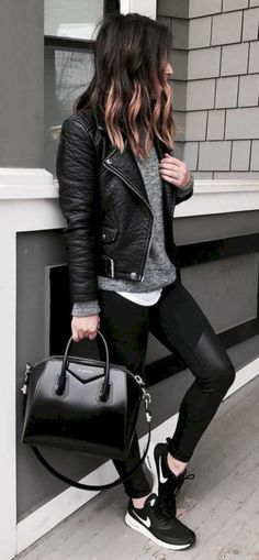 51 Stunning Casual Fall Outfit with Sneakers - Fall Shirts - Ideas of Fall Shirts Fall Shirts for sales. - 51 Stunning Casual Fall Outfit with Sneakers Outfit Outfit Fashion Mode, Look Fashion, Winter Fashion, Womens Fashion, Fashion Black, Trendy Fashion, Street Fashion, Fashion Ideas, Retro Fashion