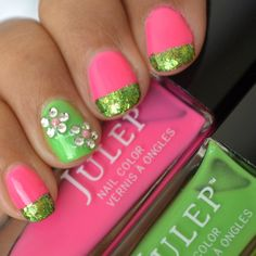 Flower Nail Art With Pink, Green & Glitter