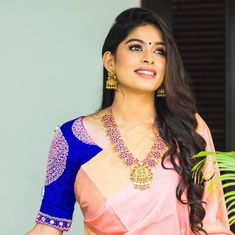 peach saree blue blouse Source by manushifashion Blouses Pattu Saree Blouse Designs, Fancy Blouse Designs, Bridal Blouse Designs, Dress Designs, Peach Saree, Green Saree, Pink Saree, Sari Bluse, Blouse Models