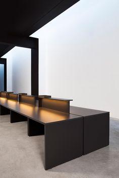 BAT OFFICE   Sistemas De Mesas De Diseño De AKABA ✓ Toda La Información ✓  Imágenes