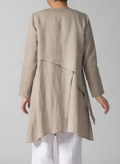 Linen Layering V-neck Tunic Beige back Miss Me Outfits, Mature Fashion, Simple Shirts, Kurta Designs, Linen Dresses, Dress Patterns, Fashion Dresses, Clothes For Women, Womens Fashion