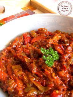 FRITA (4 poivrons verts, 1 boite de tomates concassées ou 4 tomates fraîches, 3 oignons, 3 gousses d'ail, sel et poivre)