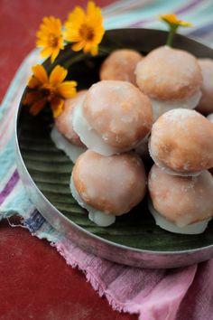 'Saatu', Flaky Sugar Glazed Indian Doughnut Holes Spiced with Cardamom