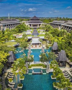 hotel concept Tropical-Line-Sofitel-Nusa-Dua Nusa Dua Hotels, Adult Tree House, Resort Villa, Bali Resort, Hotel Concept, Garden Villa, Bungalow House Design, Dream Pools, Amazing Buildings