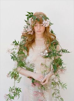 Just such a beautifully styled and photographed portrait by Elizabeth Messina. Wedding Photography, Portrait Photography, Fashion Photography, Elizabeth Messina, Floral Headpiece, Botanical Wedding, Floral Crown, Wedding Blog, Wedding Pins